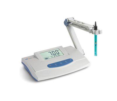 เครื่องวัดค่า pH แบบตั้งโต๊ะ