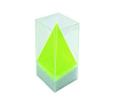 ชุดปริซึมฐานสี่เหลี่ยมจัตุรัสภายในพีระมิด