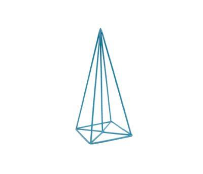 โครงพีระมิดฐานสี่เหลี่ยม
